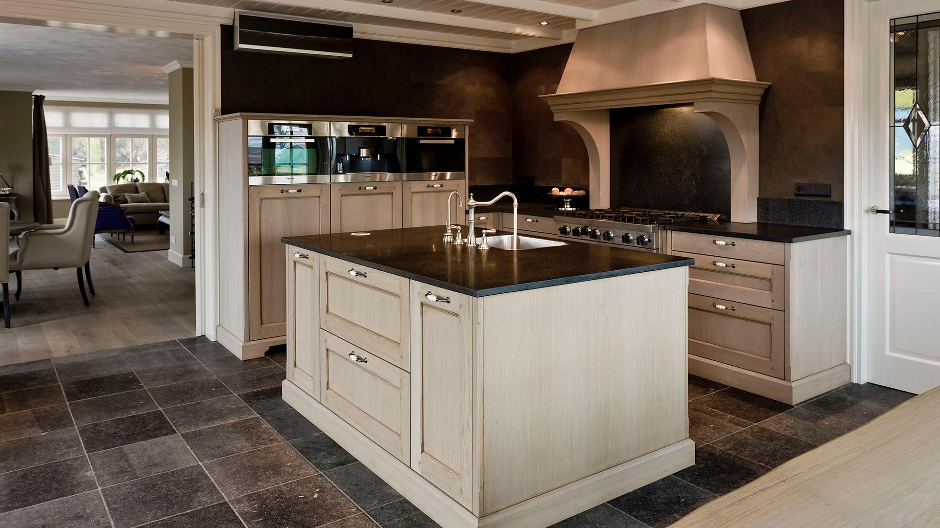 Keukens op maat borne of maatwerk keuken in twente - Centrale design keuken ...
