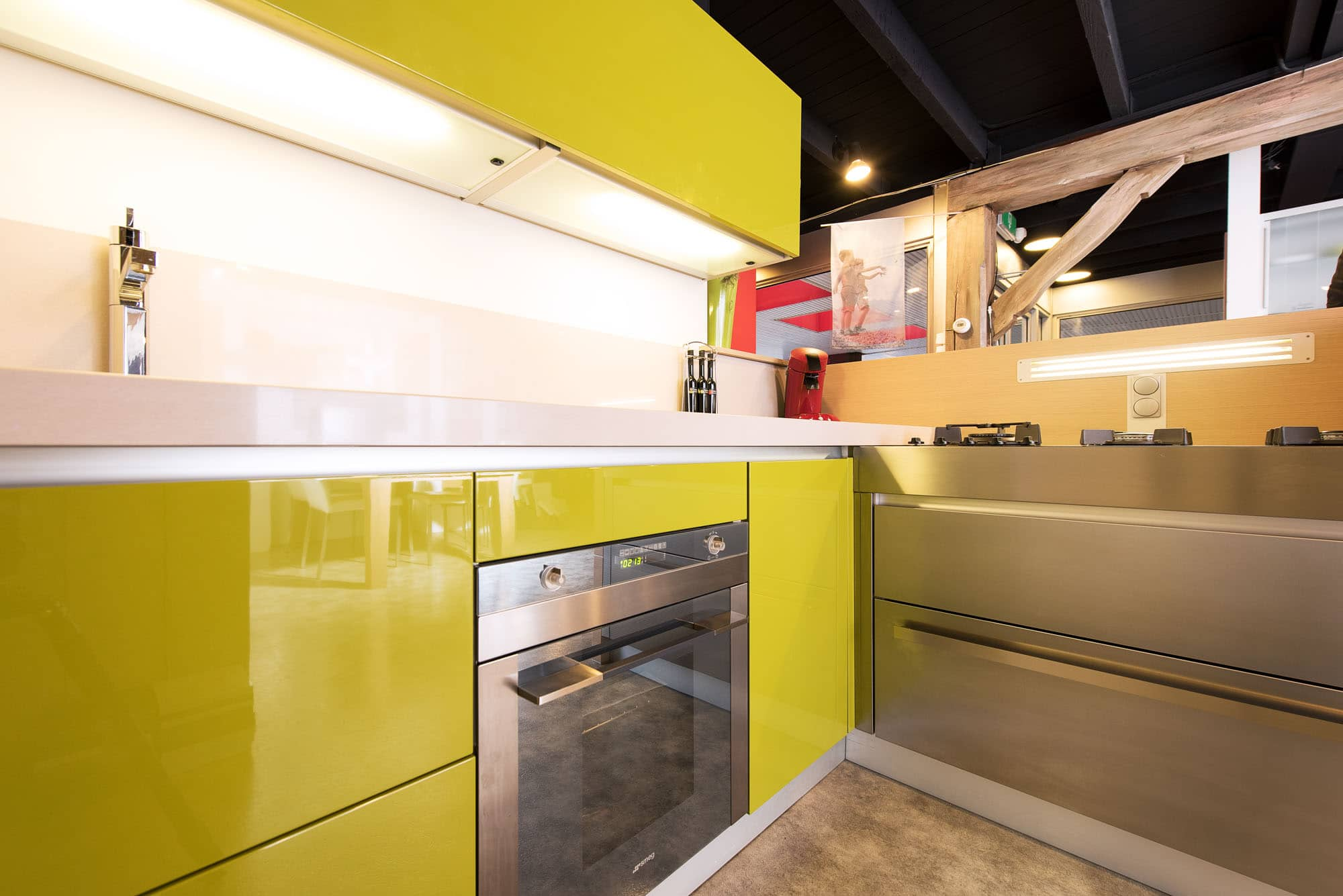 Showroomkeuken design italiaans hoogglans